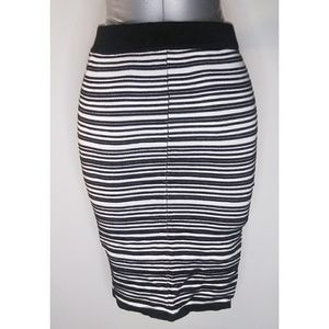 Amisu Black & White Striped Tube/Pencil Skirt